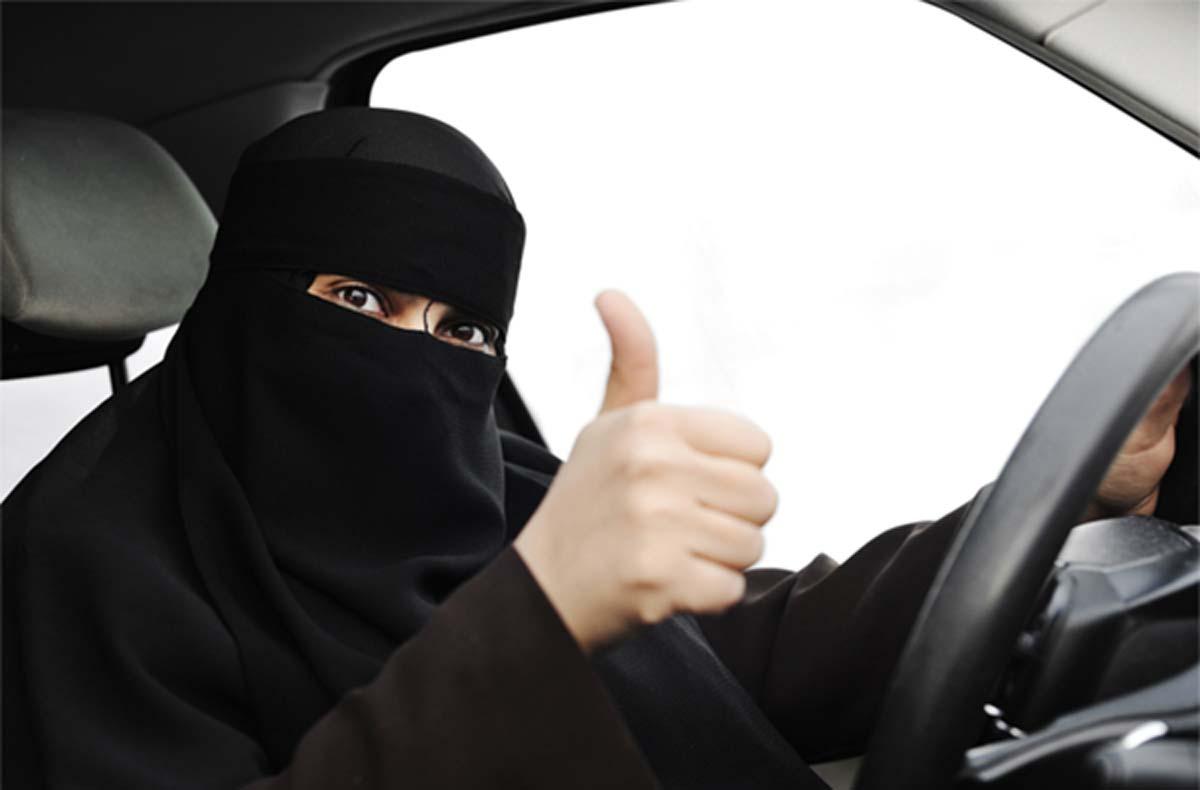 सऊदी अरब में महिलाओं को गाड़ी चलाने