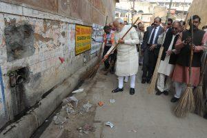 स्वच्छ भारत अभियान और मोदी