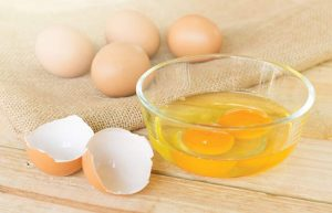 अंडा फेस पैक गोरा होने के लिए