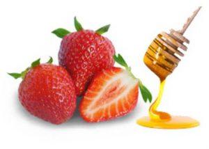 स्ट्रॉबेरी शहद मुंह पर