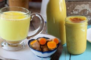 हल्दी दूध के फायदे turmeric milk benefits in hindi
