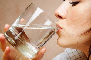 सोने से पहले पानी पीना drinking water before sleep in hindi