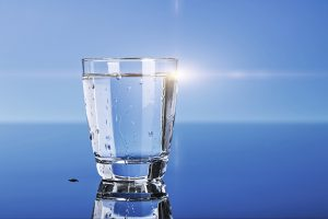 रोजाना पानी पीना how much water to drink in a day in hindi