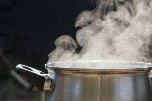 गर्म पानी पीने के फायदे
