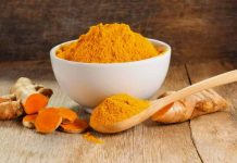 kachi haldi benefits for skin in hindi