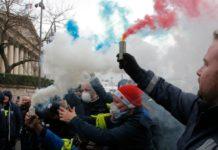फ्रांस में हिंसक प्रदर्शन