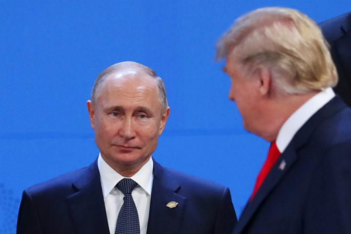 रूस के राष्ट्रपति व्लामिदिर पुतिन और अमेरिकी राष्ट्रपति डोनाल्ड ट्रम्प