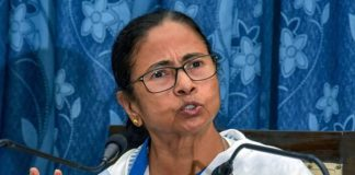 पीएम नरेंद्र मोदी पर ममता बनर्जी का कटाक्ष: यह 'चायवाला' से 'राफेलवाला' में तब्दील हो गए हैं