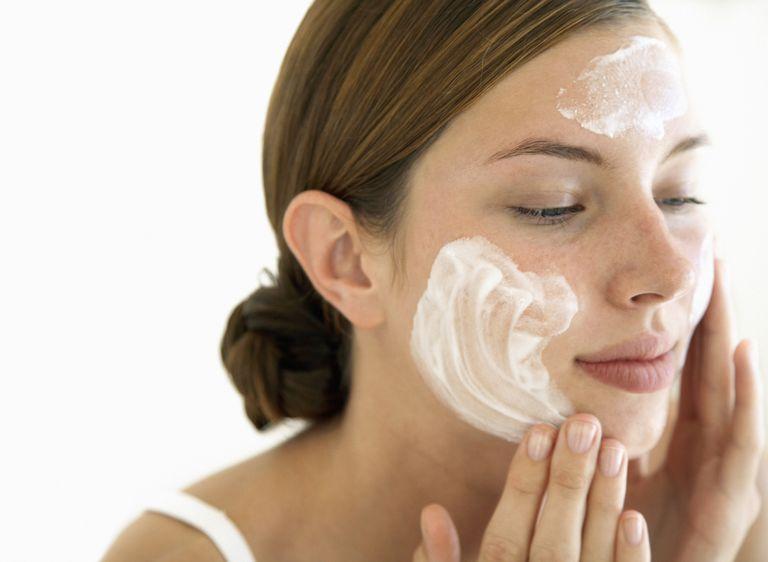sunscreen face