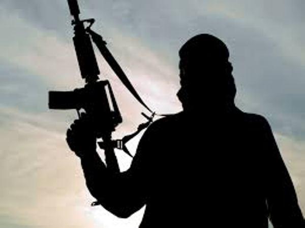अफगानिस्तान में हवाई हमले में गलती से 5 सैनिकों की मौत