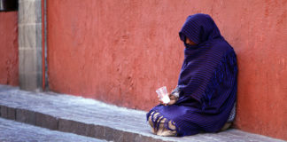 beggar essay in hindi