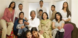 essay on importance of family in hindi