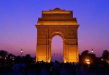 india gate essay in hindi
