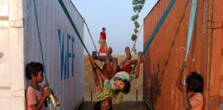 बांग्लादेश के कॉक्स बाज़ार में रोहिंग्या बच्चे