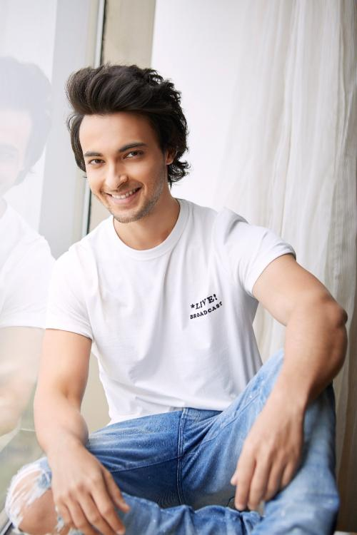 aayush sharma biography in hindi