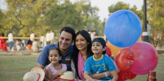 essay on family picnic in hindi