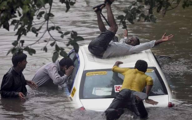 मुंबई में रिकॉर्ड-तोड़ बारिश होने के बाद भी, चलती रही टीवी शोज की शूटिंग