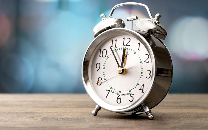 paragraph on time management in hindi