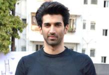 आदित्य रॉय कपूर फिल्म 'सड़क 2' के शूट के लिए निकले मैसूर