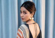 हिना खान ने न्यू यॉर्क की इंडिया डे परेड में चलाया बनारसी साड़ी का जादू, कहा भारतीय होने पर गर्व है