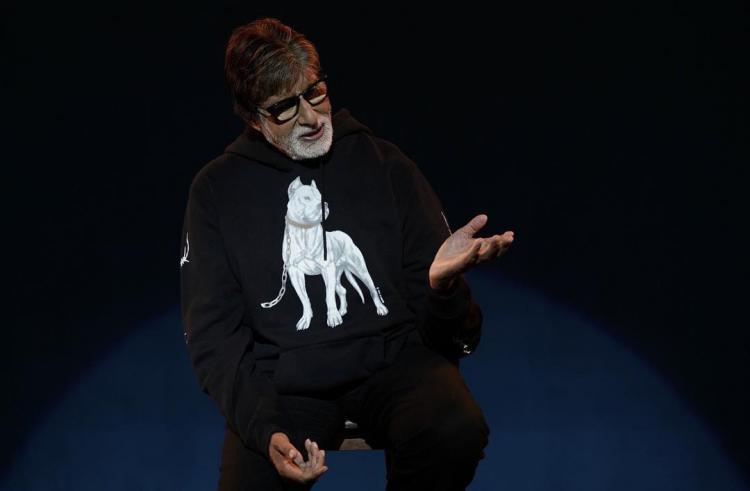 अमिताभ बच्चन ने बताया सेल्फी का ये कठिन हिंदी नाम, देखिये यहाँ